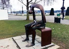 Sculpture at the Quai du Mont-Blanc, Geneva