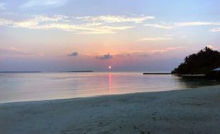 sunset on Makanudu Island in the Maldives