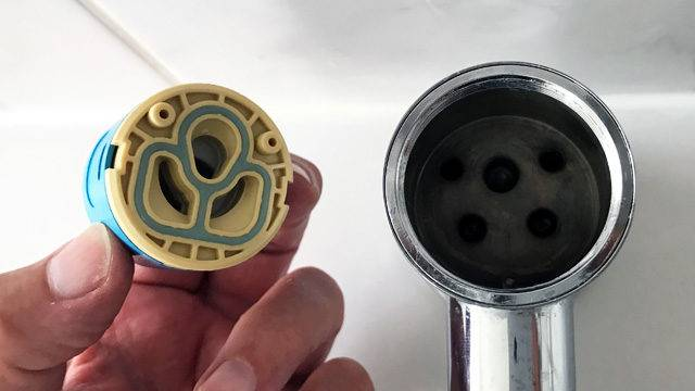 The mixer tap cartridge connection holes